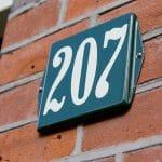 Huisnummer-emaille-oor-10x10-bord